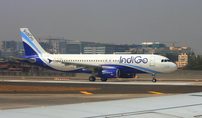 IndiGo VT-IGX Airbus A320-232_flickr_ATom.UK_(CC BY-SA 2.0)