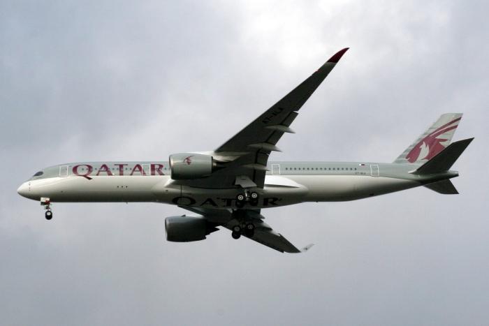 Qatar A350-900_flickr_tagsplanepics-Ihr_(CC BY-SA 2.0)