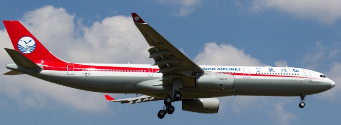 Sichuan Airlines A330_flickr_Flox Papa_(CC BY-ND 2.0)
