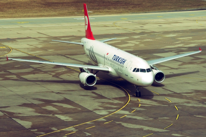 Turkish Airlines A320-232_Aero Icarus_(CC BY-SA 2.0)