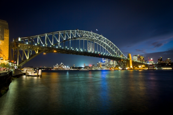 Sydney Harbour Bridge_flickr_source_Dave manwell_(CC BY-SA 2.0)
