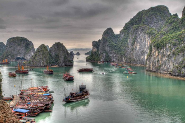 Ha Long Bay_flickr_guido da rozze_(CC BY-ND 2.0)