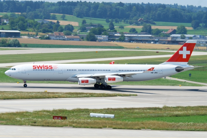 Swiss Airbus A340-300_flickr_Aero Icarus_(CC BY-SA 2.0)