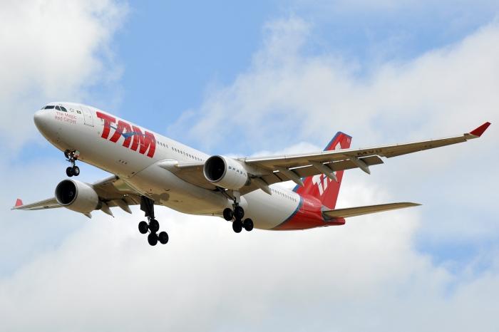 TAM Airlines_flickr_ERIC SALARD_(CC BY-SA 2.0)
