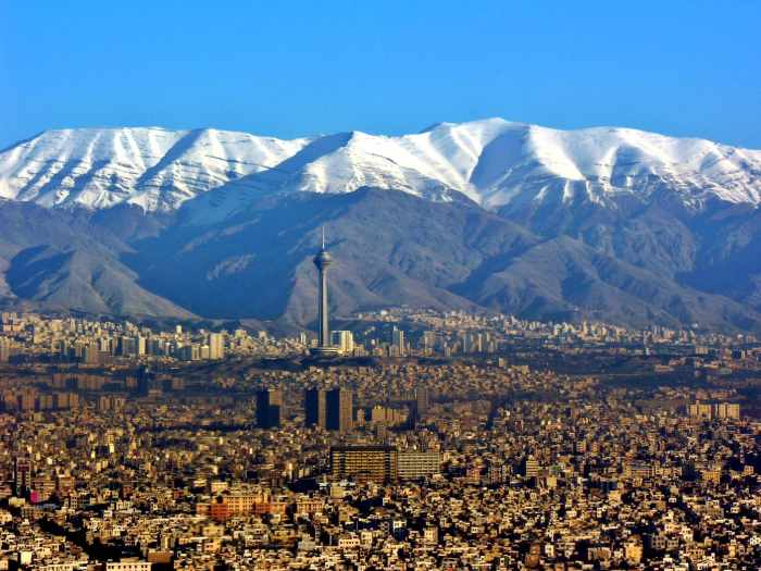"""""""A view ofTehranandAlborz Mountains"""" by Hansueli Krapf is licensed under CC BY-SA 3.0"""