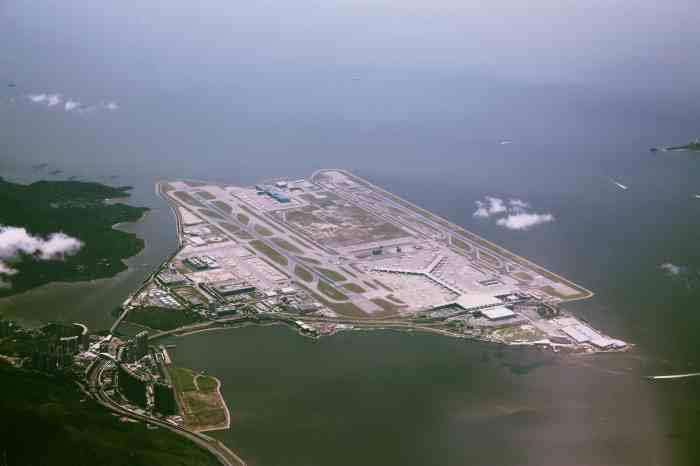 A_bird's_eye_view_of_Hong_Kong_International_Airport